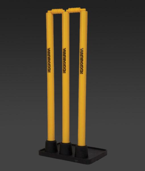 kookaburra-stumps-plastic-with-rubber-base.jpg